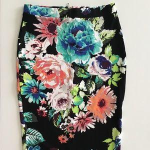 H&M Black Floral Print  Skirt